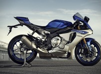 2015-Yamaha-YZF-R1
