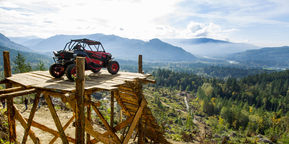 race-driver-rj-anderson-takes-the-polaris-rzr-xp-1000-utv-world-record-jump