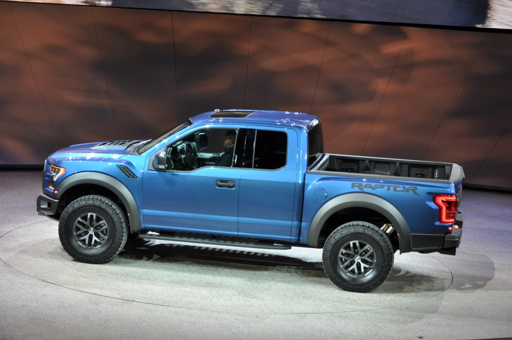 2017 ford f 150 raptor revealed with ecoboost v 6 and 10 speed auto - Ford F150 Raptor 2015