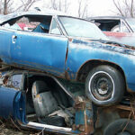 1968_Plymouth_Roadrunner_blue_junkyard