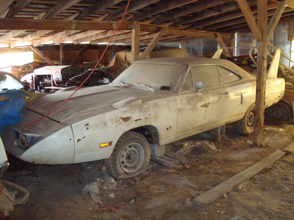 Epic Barn Find In Midwest Superbird Talladega Charger