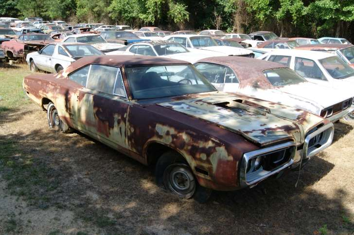 Automobile salvage yards near me