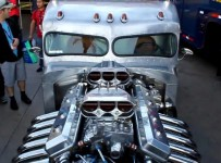 1960-peterbilt-semi-truck-transformed-into-a-badass-hotrod-735x413