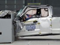 Ford-F-150-IIHS-small-overlap-front-SuperCab-e1438276513187