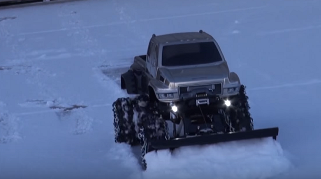 RC ADVENTURES - OVERKiLL SNOW PLOW!