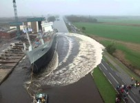 HUGE Ship Launches Are Incredibly Badass!