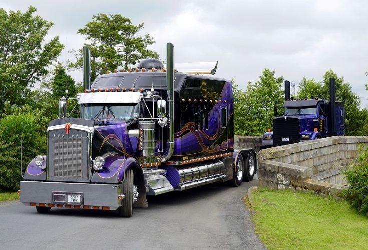 Get A Look At This Perfectly Customized Kenworth W900L Semi Truck!