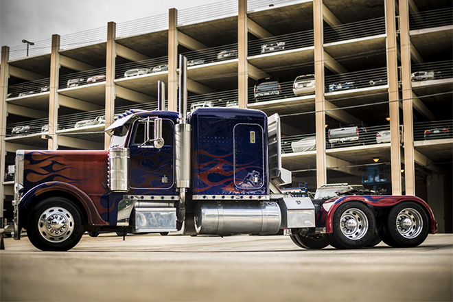 1992-Peterbilt-379-Optimus-Prime-Truck-2