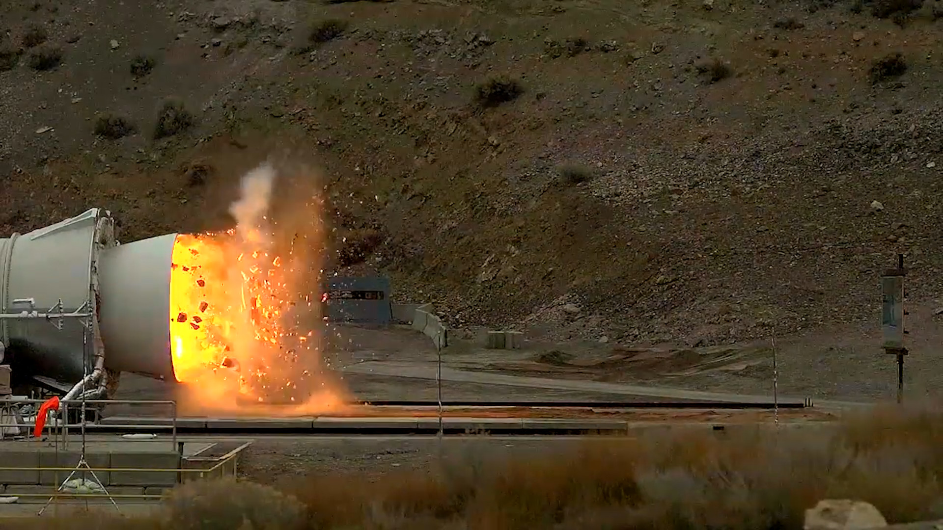 wired_nasa-s-testing-its-biggest-flame-thrower-er-rocket-ever-2