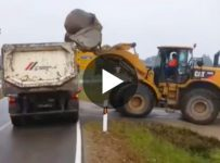 how-not-to-load-a-huge-stone-in-your-truck-wonder-what-broke-after-that