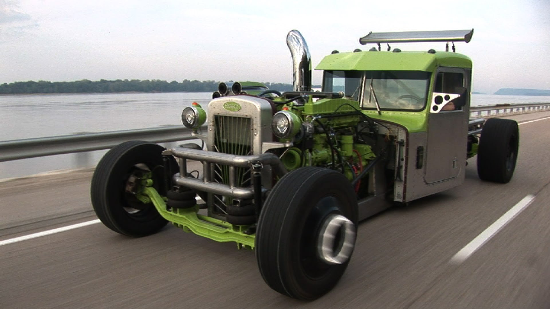 custom-peterbilt-hot-rod-semi