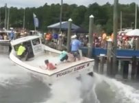 Now THIS is how you Dock! Serious Skills!