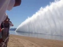 Check Out Largest Wall Of Water Created By Top Fuel Drag Boats!