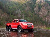Arctic Truck Toyota Hilux – A badass truck 6×6
