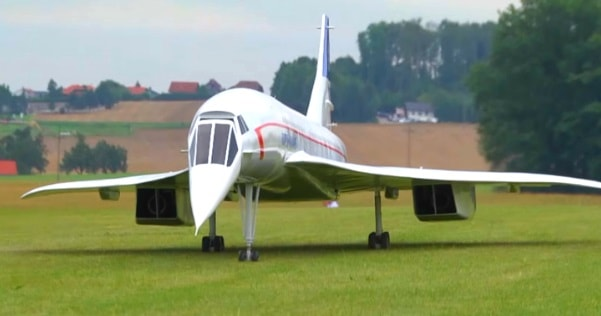 a huge concorde rc plane powered by two jet turbines muscle horsepower. Black Bedroom Furniture Sets. Home Design Ideas