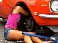 She's 18 Her Name Is Alex Taylor she runs a 8 second quarter mile… and she does it all herself!