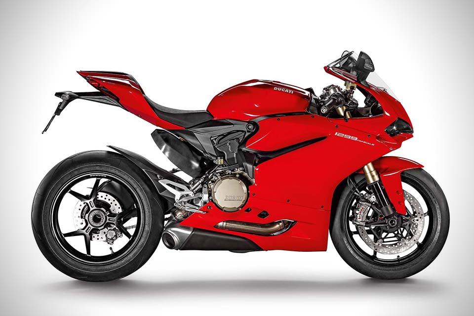 2015-Ducati-1299-Panigale-Superbike-1
