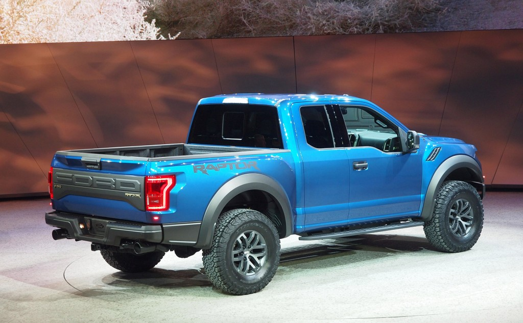 2015-ford-f-150_100497162_l