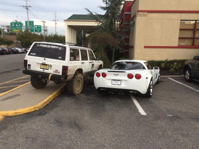 jeep-driver-takes-some-mild-vigilante-action-against-jerk-parked-corvette