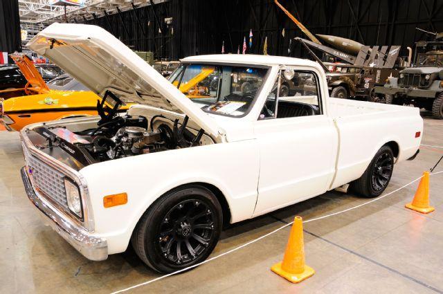 2015-piston-powered-autorama-1972-c-10-pickup-truck