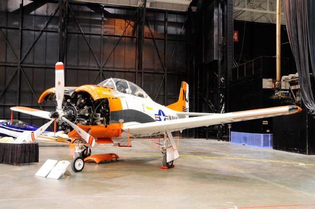 2015-piston-powered-autorama-t-28-trojan-ariplane