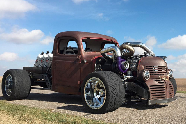 a-look-at-premiere-performances-1946-dodge-rat-truck-with-nitrous-and-compounds9