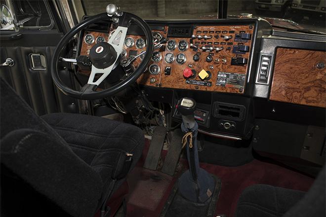 1992-Peterbilt-379-Optimus-Prime-Truck-6